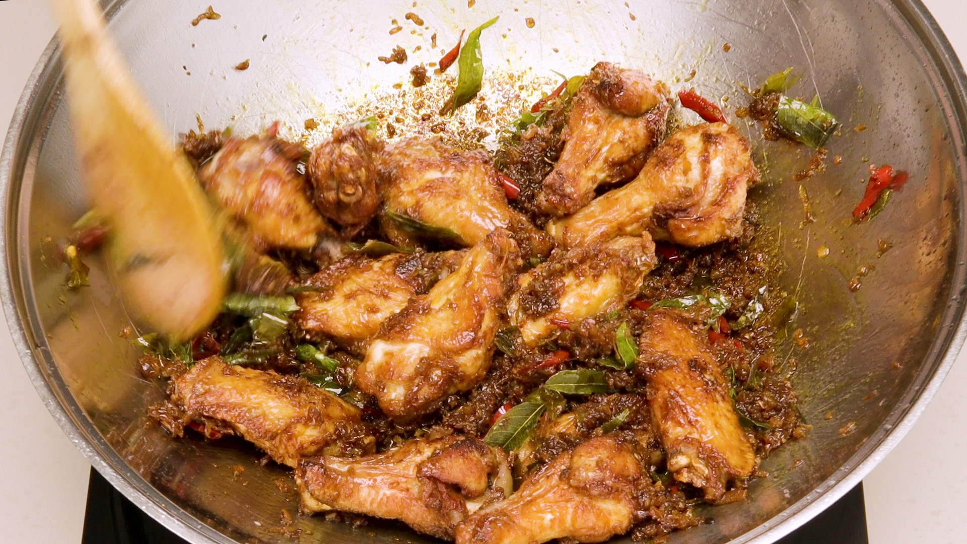 Golden Fragrant Chicken Wings Pic5